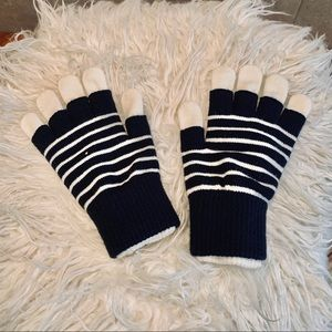 2-1 Navy/White Gap Gloves